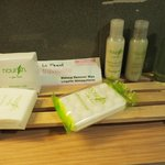 Bathroom Toiletries - Queen Room