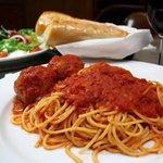 Rudy's Classic Spaghetti & Meatballs