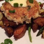 crabcake with potatoes, yum!