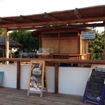 Except the rooms to let Isalos has a fish restaurant and a small bar.