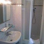 doccia stanza4