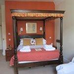 Room 5 bed.