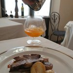 Interno con piatto tipico dello chef Roberto Rossi