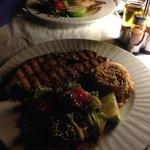 Salmone grigliato e Calamaro ripieno (buonissimi!)