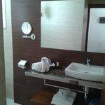 salle de bain de la chambre 104