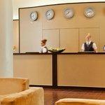 AMERON Hotel Abion Spreebogen Berlin Rezeption