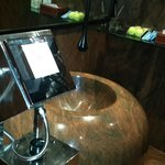 Awesome wash basin in the lobby area