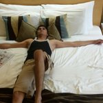 Fully relaxed bad in interconnected room..