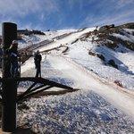 Tirolesas e pistas de esqui.