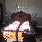 comfy bed nice crisp linen