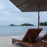 Amacas en la playa del hotel