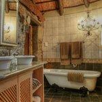 Stone Cottage Bathroom