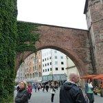 Sendlinger Tor nearby