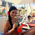Пляж BluBay и очень вкусный коктейль Секс на пляже ($)