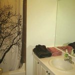 Sunset Suite bathroom
