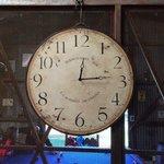 Hermoso reloj que está en el Granero!!!!