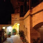 Entrance Divan cave hotel
