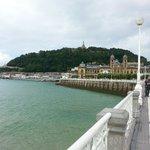 La Concha hacia el puerto y el ayuntamiento