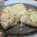pizza de cebola com queijo