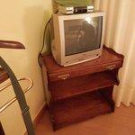 tv y muebles con 40 años