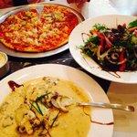 Veal with mushrooms & Hawaiian pizza