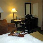King Bed Room - Hampton Inn Moncton