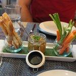hummus, bread sticks & vege sticks