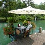 Avancée de la terrasse sur le canal de Savières