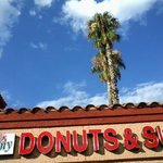 Photo de Yummy Donuts & Subs