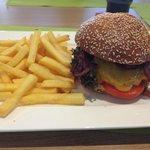 Burger mit Schweinerückensteak