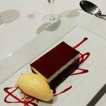 Tarta de chocolate con helado de mandarina, puffff ya no podiamos más pero estaba espectacular