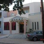 Melina Beach hotell