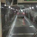 トロリーバスからの風景はトンネルだけ