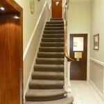 Accesso alle stanze, con ascensore o scale