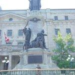 Statue de François de Laval
