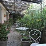 giardinetto davanti alle camere