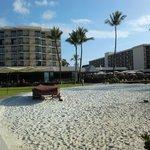 ホテル目の前の小さなビーチ