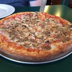 The medium fresh mushroom and sausage pizza . Yum!!