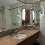 Prague Marriott Bathroom