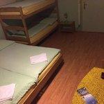 Mein Zimmer! Gefängnis?