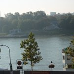 Río Danubio desde la habitación del hotel