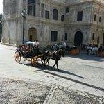 A seulement 300 mètres de l hotel, la cathédrale de Séville !