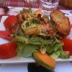 Salade de chèvre chaud du menu a 18 €