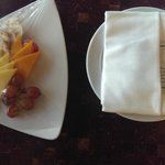 Honeymoon Package (Fruit, Cheese and Cracker Platter)