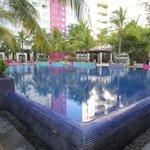 Grand Oasis pool