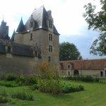 Le jardin médiéval et le donjon.