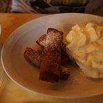 Croustillant banane, chocolat et chantilly
