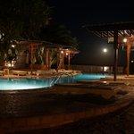 la piscine un soir de pleine lune