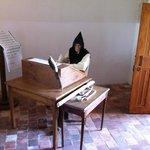 Reconstitution du Travail du Moine au Scriptorium.