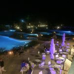 Vista piscine dal bar Damianos